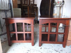 solid wood living room coffee table set in exc cond