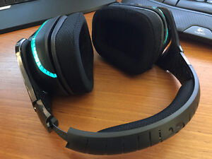 Logitech G933 Gaming Wireless Headset