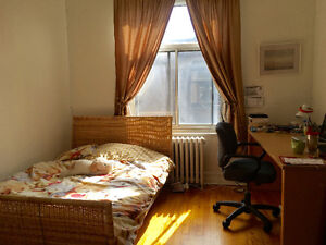 All Incl., Metro Vendome, June 1, Furnished spacious sunny room