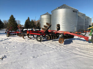 Case IH Ecolo-Tiger Ripper with Crumbler