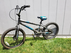 Youth Supercycle Clutch Bike 20 in- Great condition