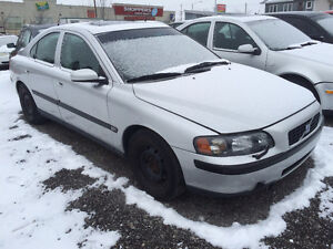 2004 Volvo S60 5 Speed $800  !!