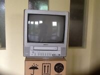 TELEVISION / VHS PLAYER