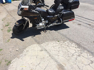 Gold Wing 1200 cc 1985 950$