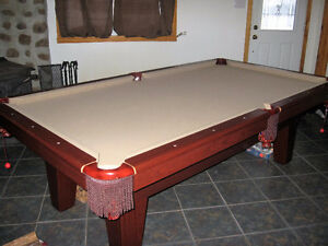 Table de Billard Boston de Luxe très propre, vente rapide.