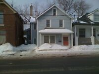 176 Montreal St - 3 bedroom downtown home