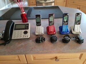 VTech DS6642-4A 5-handset Corded/Cordless Phone