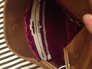 Designer purse..Henri Bendel..never been used :o Cornwall Ontario image 3