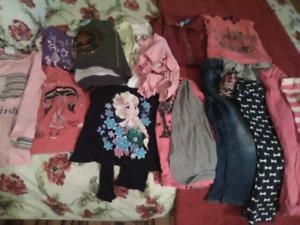 Lot de vêtements fille 3\4 ans