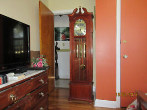 BEAUTIFUL WESTMINSTER CHIME GRANDFATHER CLOCK, WORKING
