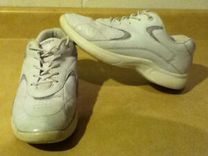 Women's Comfort2 Sport Running Shoes Size 8 London Ontario image 1