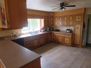 Bungalow, All Brick, 3400 sf. of Finished Living Area, 5.4 Acres Kitchener / Waterloo Kitchener Area image 6