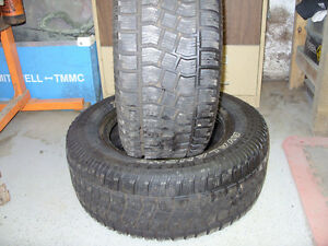 Pair of 275 60R17 snow tires Cambridge Kitchener Area image 4