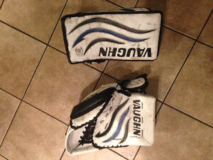 Vaughn Velocity goalie trapper and blocker