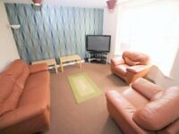 LIVING ROOM * HIGH STANDARD DOUBLE ROOM IN WEST LONDON