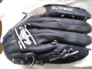 RAWLINGS SB140 Softball / Gant Baseball / EST1887