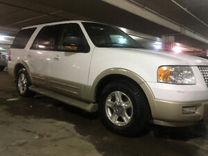 2005 Ford Expedition Eddie Bauer SUV, Crossover