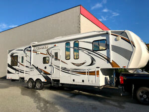 2011 Heartland Cyclone 3010 – 35ft 4 Season-5th Wheel Toy Hauler