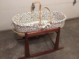 Bassinet & 3 in 1 Infants Chair