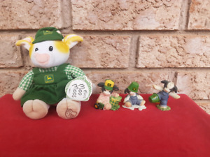 LOT of 7 - Cow Figurines & Plush Toys inc. John Deere Theme