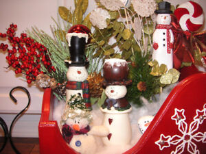 NEW HANDCRAFTED CHRISTMAS DISPLAY
