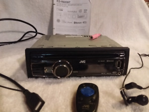 Radio d auto jvc cd, prise USB Bluetooth $125 nego