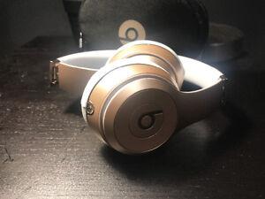 Dr Dre Beats Solo 3 Wireless Headphones Gold