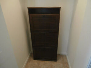 ARMOIRE A SOULIERS