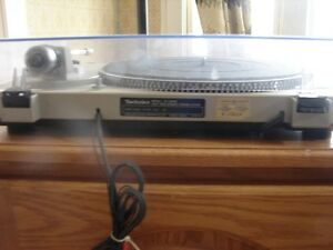 Technics Turntable System SL-D202,and Pickering xv15 625e stylus