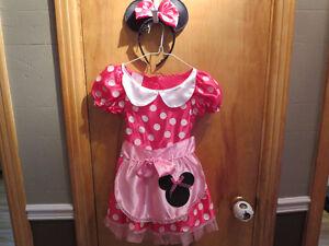 Costume de Minnie Mouse NEUF pour fillettes grandeur 4-6X