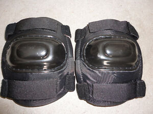 Protective elbow pads/knee pads
