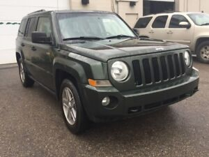2008 Jeep Patriot North Edition/ 6 months warranty included.