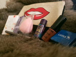 TONS of IPSY bags filled with quality make up samples New&Sealed