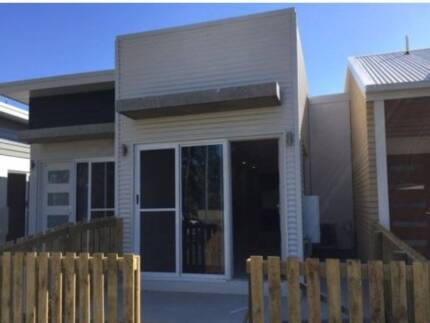 BRAND NEW HOME - INSPECT TODAY - TWO WEEKS FREE RENT Andergrove Mackay City Preview