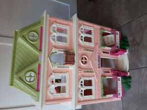 Fisher price doll house, furniture, dolls and camper!
