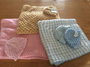 NEW NEWBORN BABY BLANKETS WITH COORDINATING HATS
