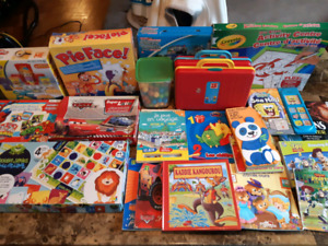 Gros LOT de jouet et livres pour enfants