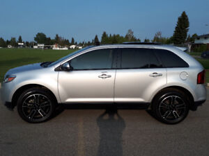 FORD EDGE WITH SPORT PACKAGE