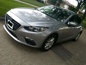 2015 Mazda 3 GS only 18000km a/t hatch heated seats back up cam