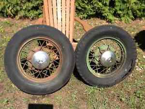 1933 Ford rims with centre V8 caps pair
