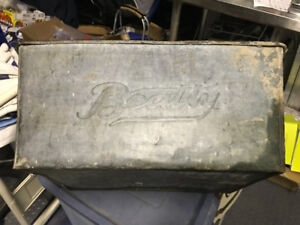 VINTAGE BEATTY BRAND GALVANIZED WASH TUB WITH HANDLES