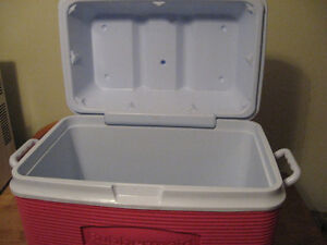RUBBER MADE COOLER  with cup holders ON TOP . Cambridge Kitchener Area image 5