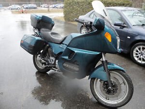 Parting out 1994 BMW K1100 LT selling in parts only