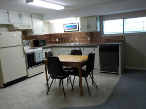 Kelowna Hospital area, Large, quiet furnished 1bdrm plus den