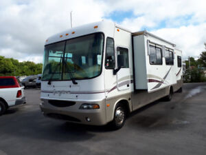 2002 Forest River 32.6 Ft S/A Class C Motorhome