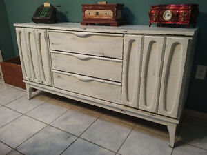 mid century buffet or TV stand London Ontario image 2