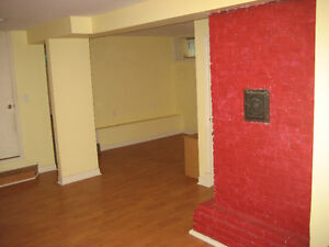 1-bdrm basement apt, close to Dal, avail January 1st