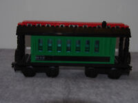 Lego Trains - Green Passenger Wagon #10015 (like new -from 2001)