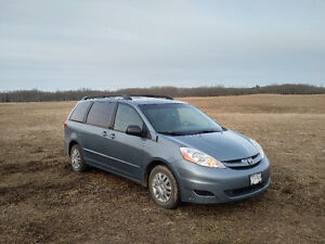 2008 Toyota Sienna LE -Reduced