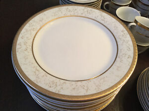 Dinner Party Ready- 12 place setting porcelain-dishwasher safe Stratford Kitchener Area image 4